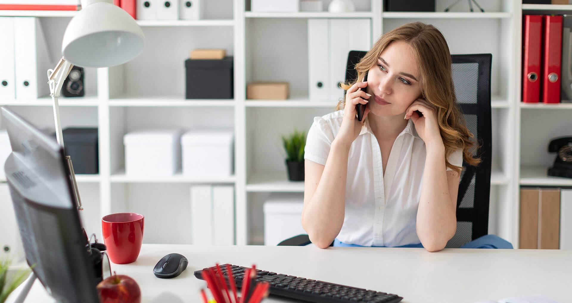 Lainaa rahaa kotoa matkapuhelimen tai tietokoneen kautta